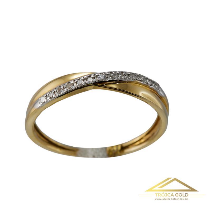 Złoty pierścionek z 13 brylantami o łącznej masie 0,06 ct