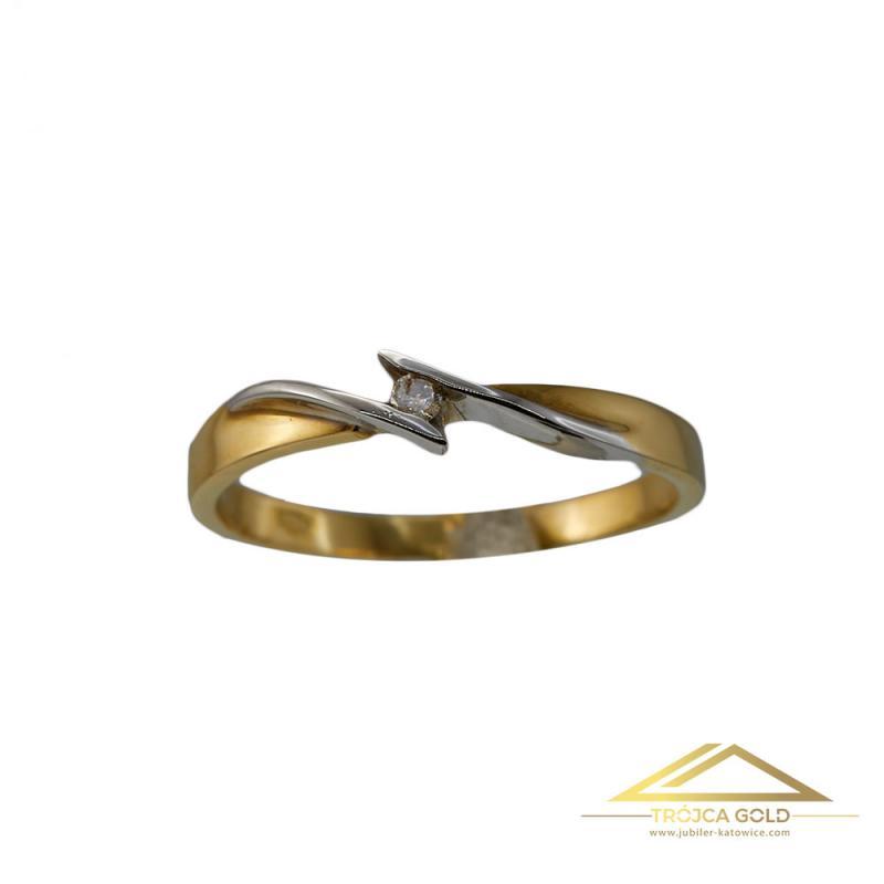 Złoty pierścionek z brylantem o  masie 0,03 ct oraz wadze 1,79g