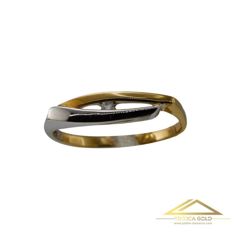 Złoty pierścionek z brylantem o masie 0,02 ct oraz wadze 1,85g